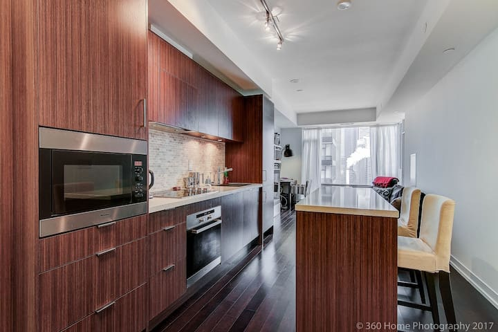 LUXURY CONDO IN THE BEST LOCATION IN TORONTO