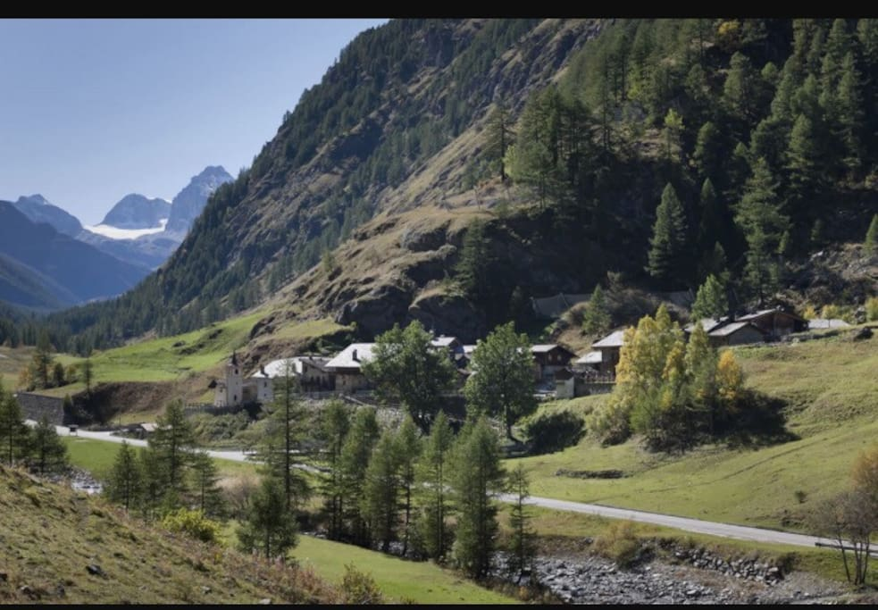 Casa di montagna immersa nella natura apartments in for Arredo bagno valle d aosta