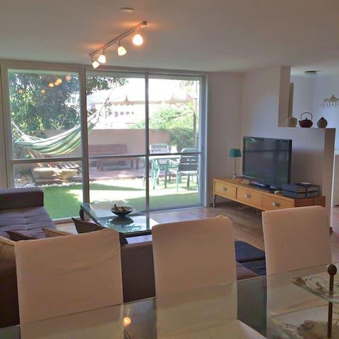 House, Garden, Parents Unit, Simple And Beautiful - Netanya - Hus
