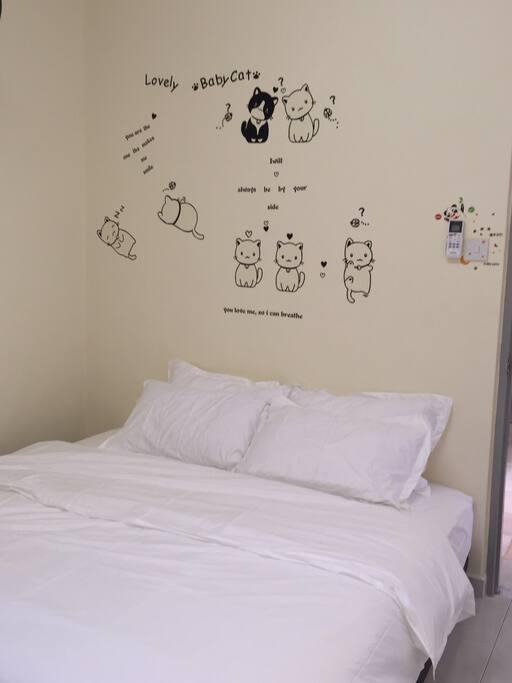 Bedroom K - King Bed