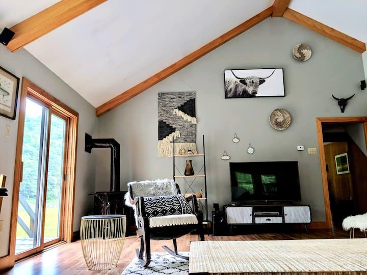 Secluded Riverfront Cabin Oasis/PSU/Kayaking/Elk