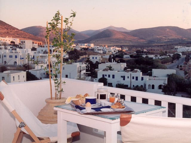 Heaven Naoussa Suites - Naousa - Bed & Breakfast
