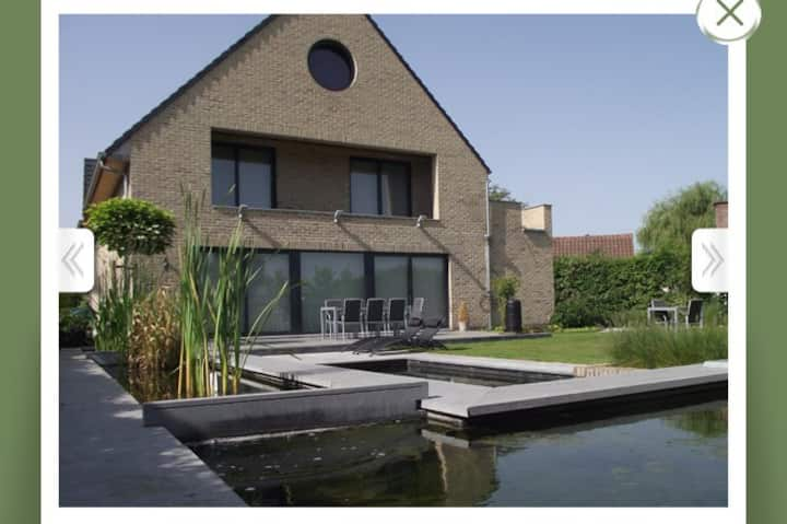Barebeek Sweet Home ****
