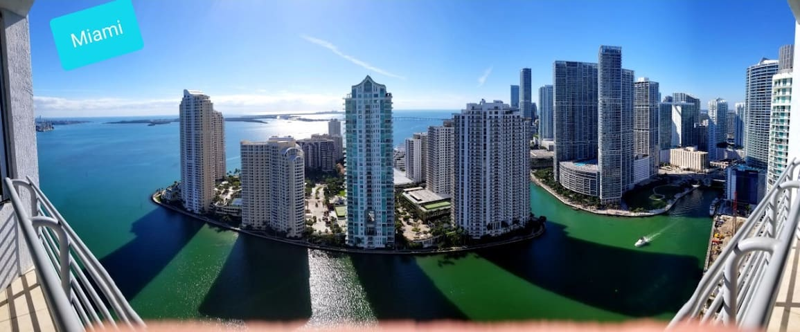 Luxurious Miami Condo with a view!:)