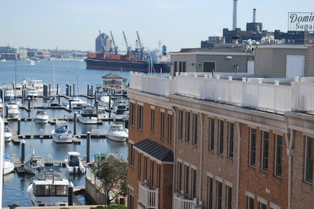 Scenic Harbor Views in Luxury Condo - Балтимор - Кондоминиум