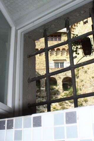 Dormire ai piedi del castello - Fosdinovo - Bed & Breakfast