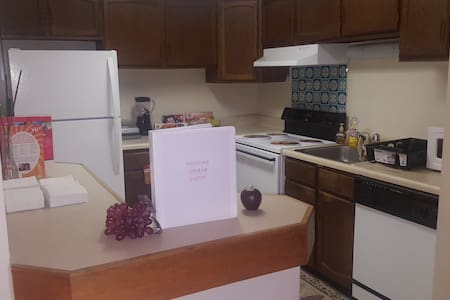 Spacious Safe Quiet 1 Bed/1 bath Apartment - Cockeysville