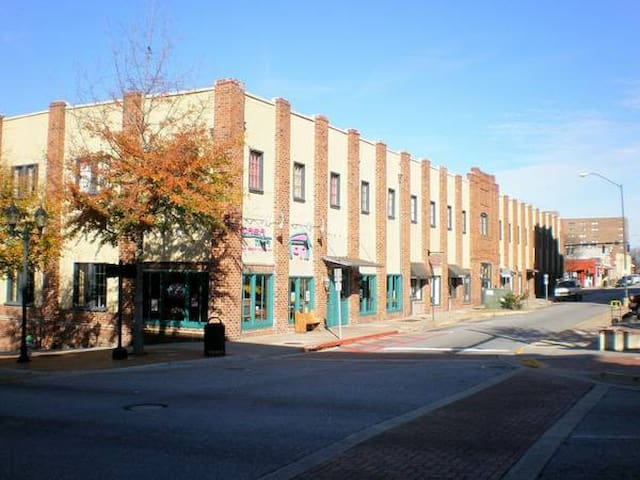 Cotton Exchange Lofts - Downtown Athens - Parking - Athens - Apartmen