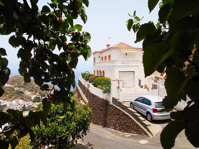 Beautiful Villa in Taganana