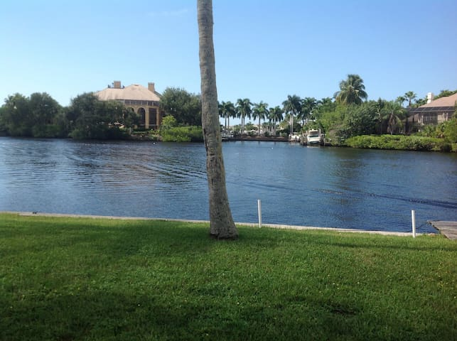 Bonita Springs Riverfront Cottage - Bonita Springs - Apartmen