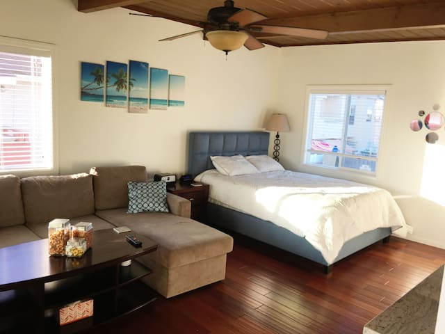 Gorgeous Home Away From Home at Seaside Retreat!!!