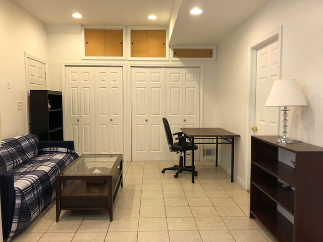 Room for female in 3BR apt share with two females