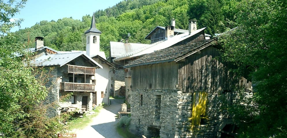 50 m2 house at 3 km from Courchevel - Courchevel - House