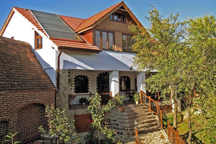 • CASA CRINA • at the Transylvanian Carpathians