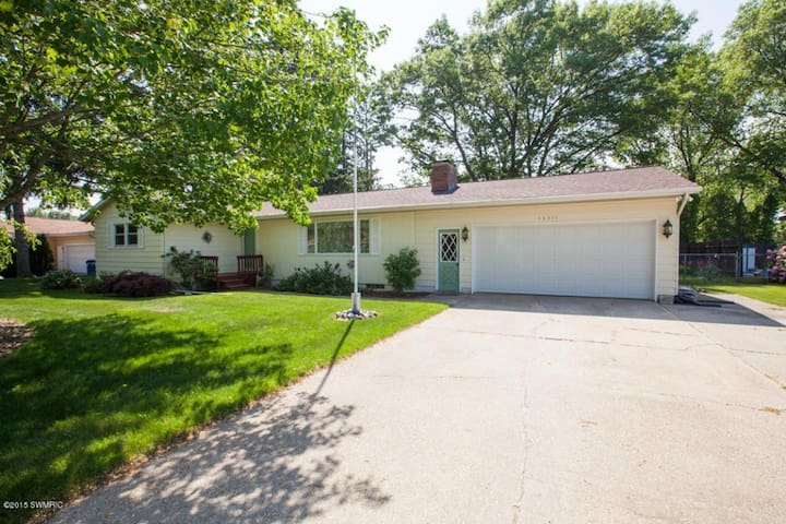 Family/Pet Friendly House Near Grand Haven - Spring Lake - Дом