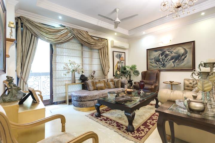 Designer's Pvt 2 Rooms | Jangpura | 3 Guests Only