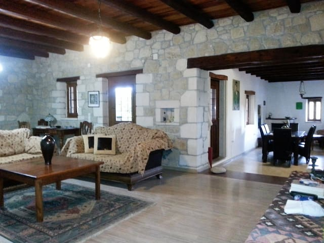 Centraal gelegen villa tussen Ierapetra en Sitia. - Lasithi