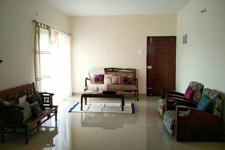 Scenic view top floor apartment - Mapusa - Apartmen