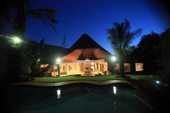 Pta East Luxury Suite Mozart @ Andante Lodge