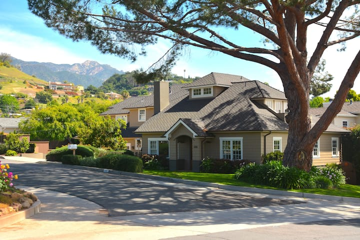 Large, family-friendly CA bungalow