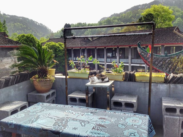 【Town House】2bedrooms 2 baths Pvt house with Patio