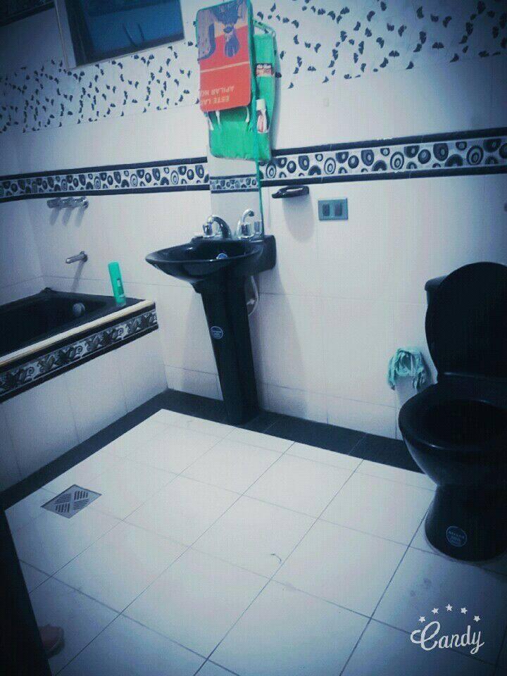habitacion con baño privado y cama matrimonial