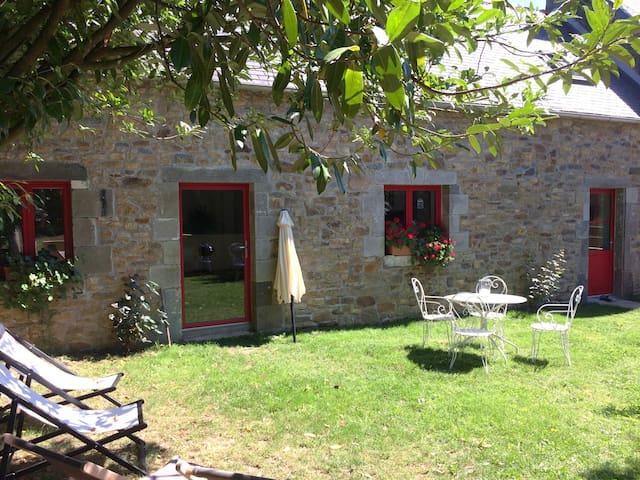 Les gîtes d'Hellen - Logonna-Daoulas - House