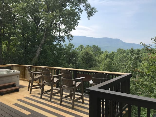 Direct Views of Greenbriar and Mt LeConte