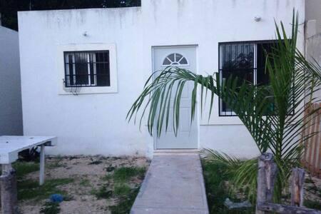 Casa céntrica y confortable - House