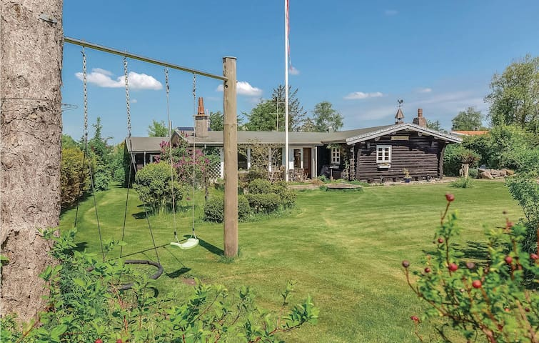 Holiday cottage with 4 bedrooms on 119m² in Slagelse