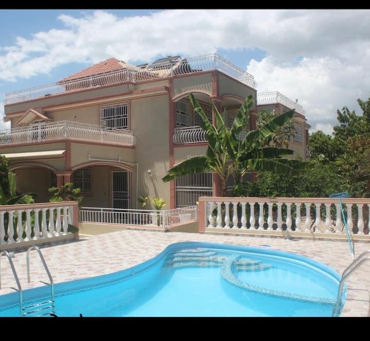 Sunny 3 Floor Villa