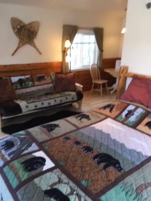 Queen bed & futon