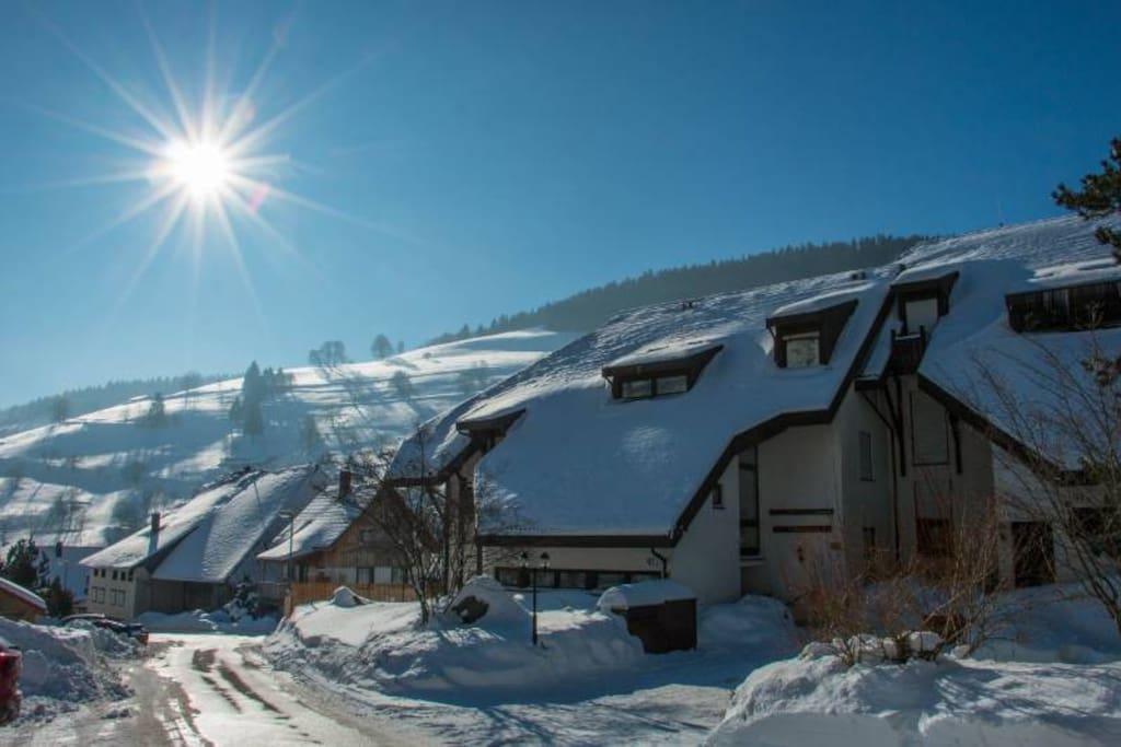 Hauseingangsbereich im Winter