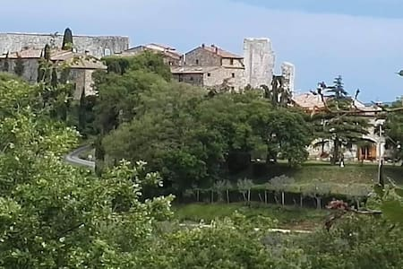 MEDIEVAL CASTLE-TUSCANY ITALY  PRIVATE CONDOMINIUM