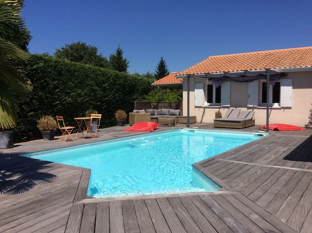 Maison entre Bordeaux et l'océan - Saint-Jean-d'Illac - บ้าน