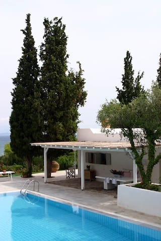 Seaside house close to Athens & Delfi - Dilesi - บ้าน
