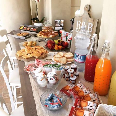 Aulivo bed & breakfast - Ripa- Pozzi-Ponterosso - Bed & Breakfast