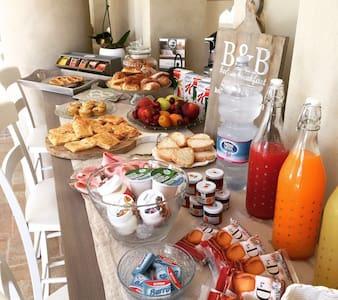 Aulivo bed & breakfast - Ripa- Pozzi-Ponterosso