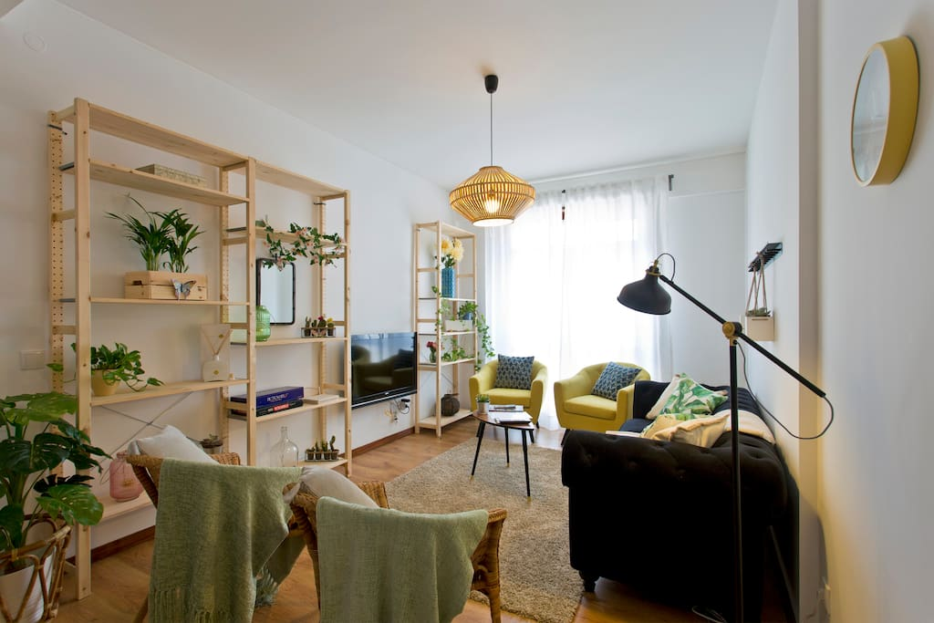 """Check in and check out simple. Sofia is very friendly and available. I recommend this apartment to anyone who wants to visit Porto.""- Ana, *****"