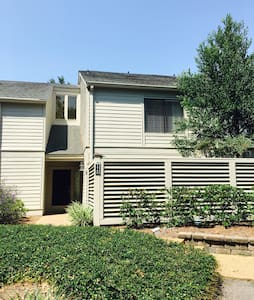 2 bedroom 2.5 bath Townhouse in Sea Pines