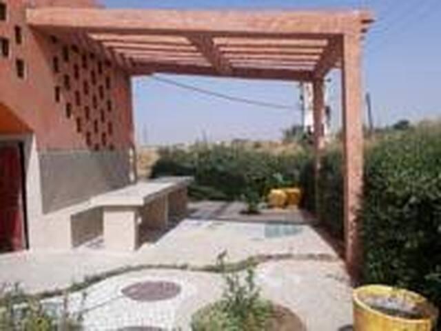 Terrasse exterieur en contact avec la nature