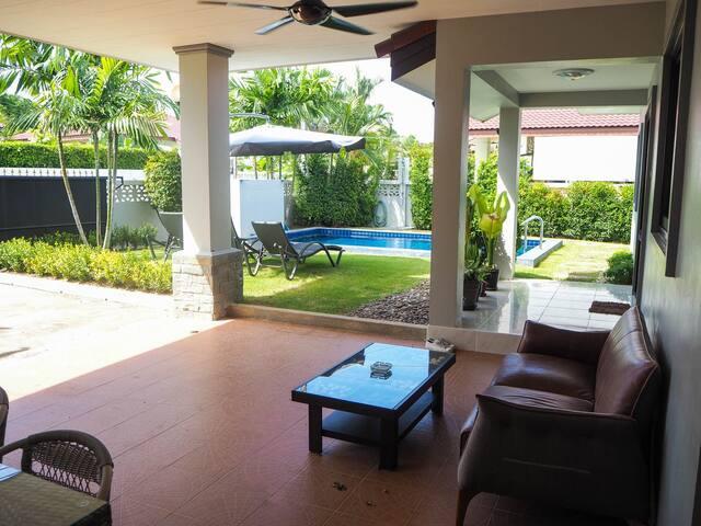 Private Pool Villa Spacious Garden - AVAILABLE NOW