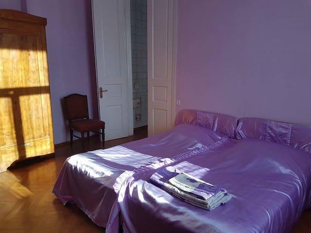 """Private Room """"Deep Purple"""""""
