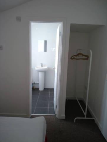 Room 5  Modern ensuite room
