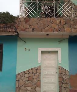 Casa Greisy Alcuria - Trinitat