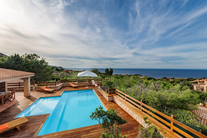 Villa Paola with private pool and waterfall spa