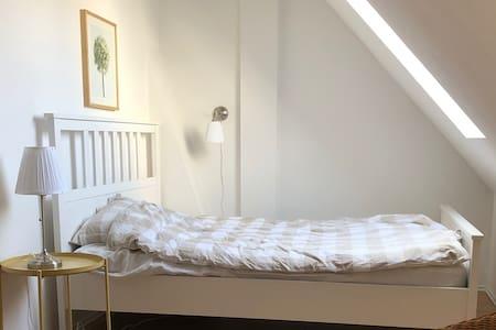 Sunny, quiet apartment in central location