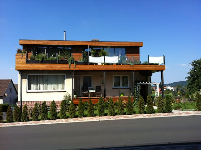 85 qm Studio + 40 qm Dachterasse - Habichtswald - Apartment