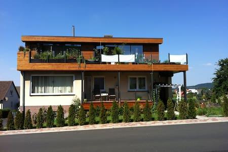 85 qm Studio + 40 qm Dachterasse - Habichtswald