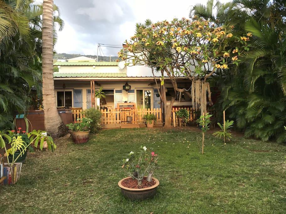 Front garden - vue de la varangue